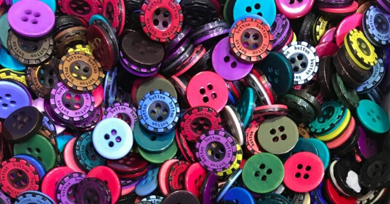 lots of various colored shirt buttons